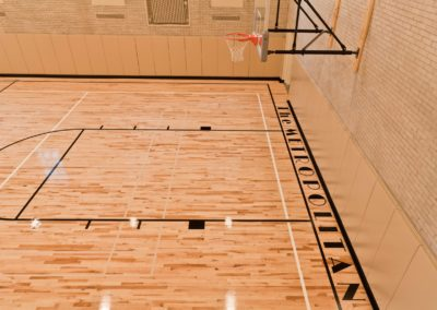 Apartments in Center City with on-site MetroFit basketball court